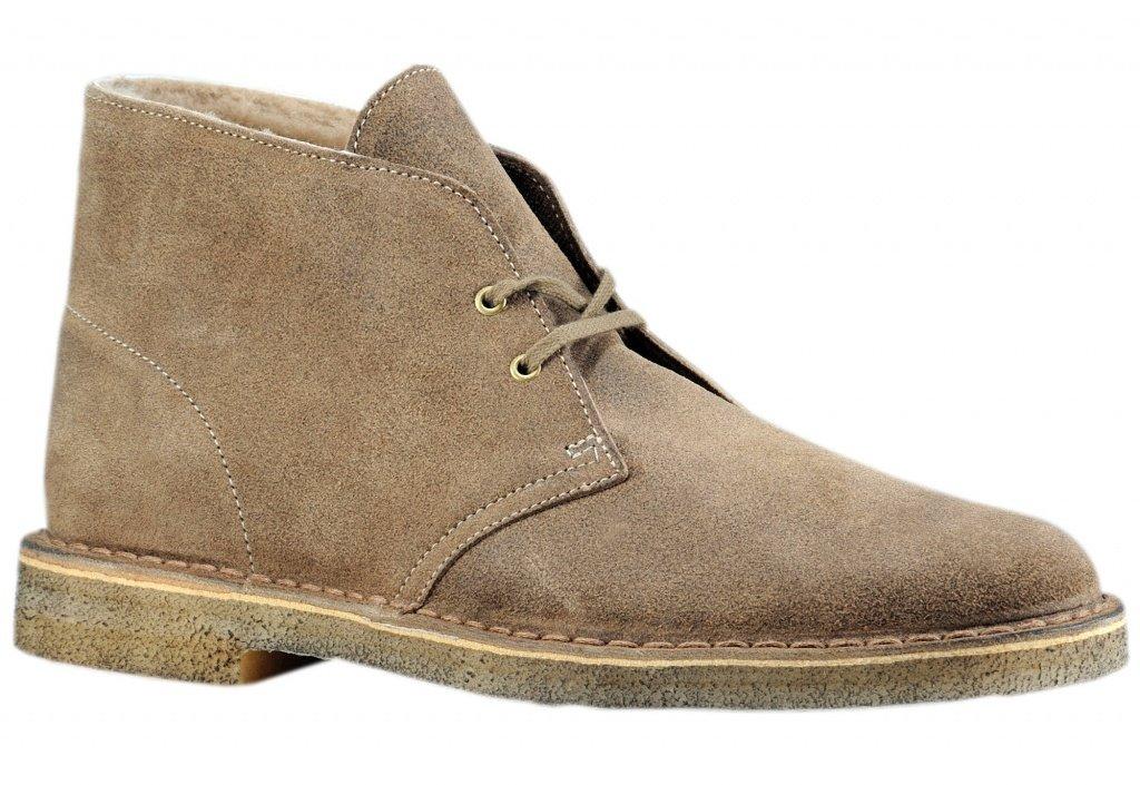 Это ботинки высотой до лодыжки, сделанные из замши, обычно с резиновой  подошвой и несколькими отверстиями для продевания шнурков. 25bdffd5fe0